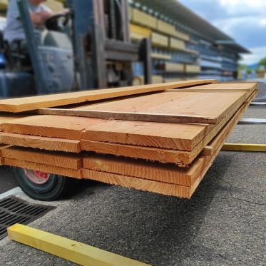 Planche en douglas choix 2 brut 27 x 305 mm