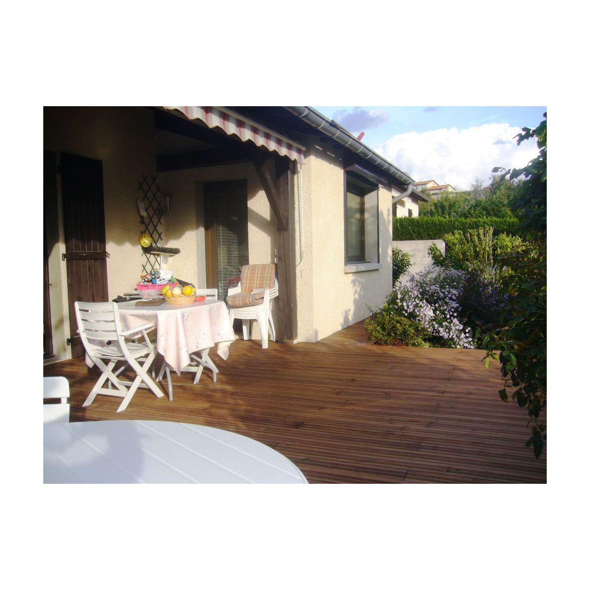 Lames de terrasse en Pin petits noeuds pour terrasse en bois
