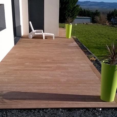 lames de terrasse en bois hevea. Black Bedroom Furniture Sets. Home Design Ideas