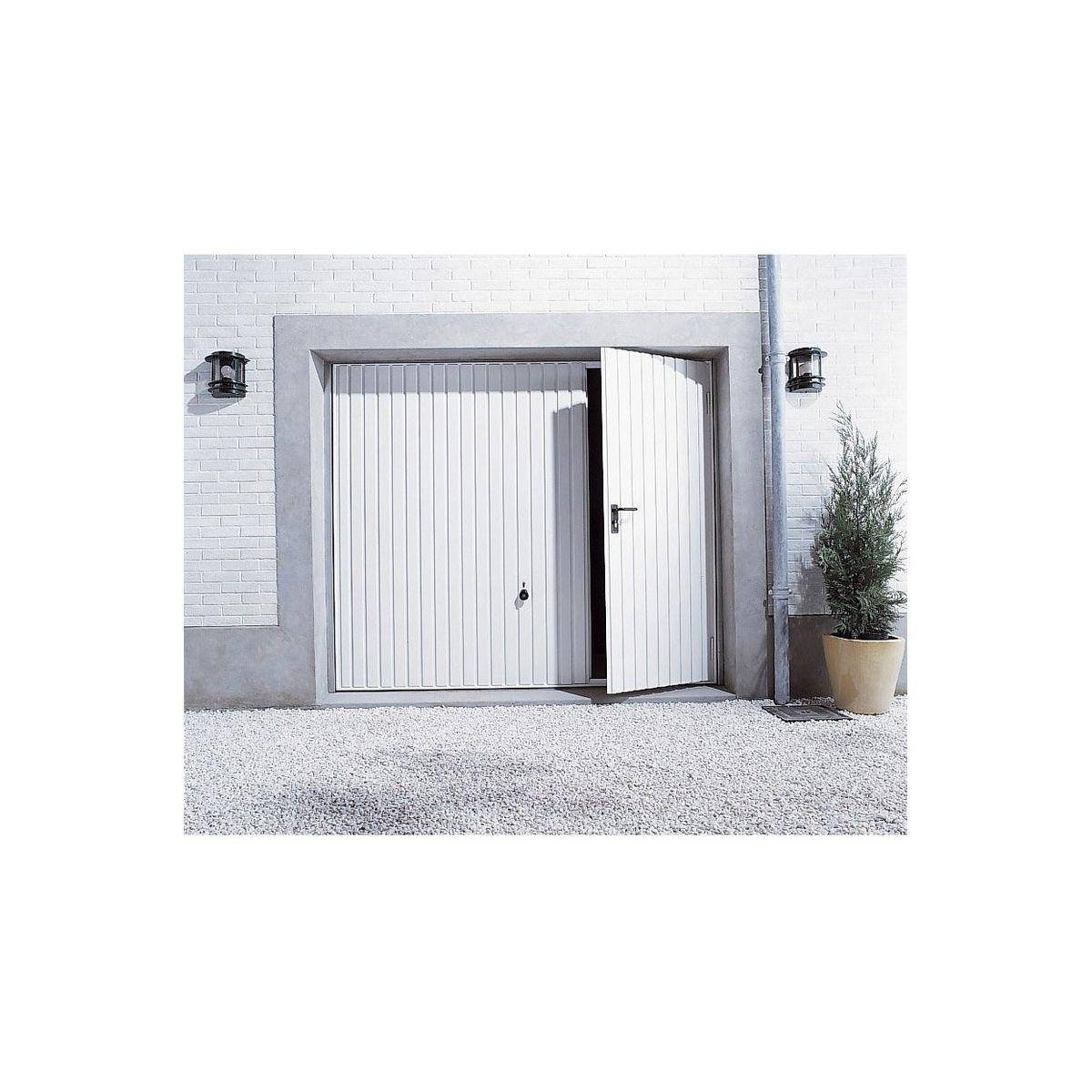 Comment Ventiler Un Garage Humide porte de garage basculante n80 motif 902 | kenzaï matériaux